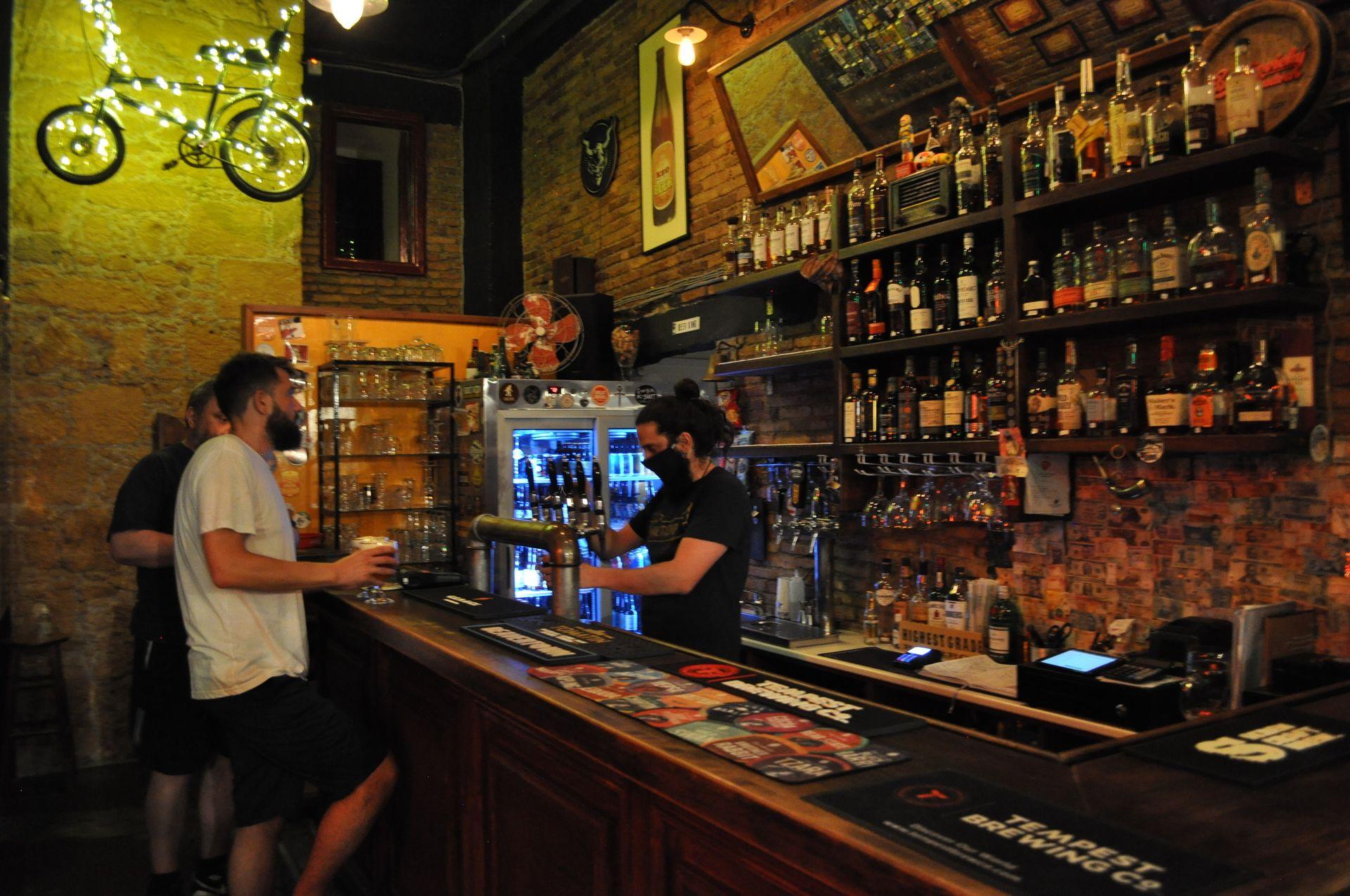 Brewfellas Craft Beer Bar