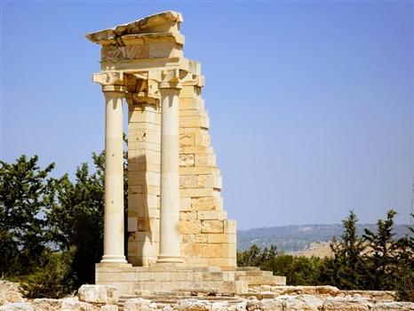 Achilles Temple columns