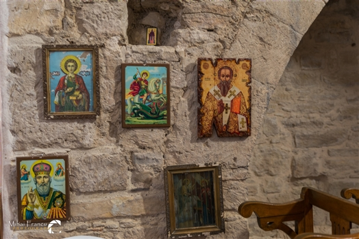 The icons in Timou Monastry