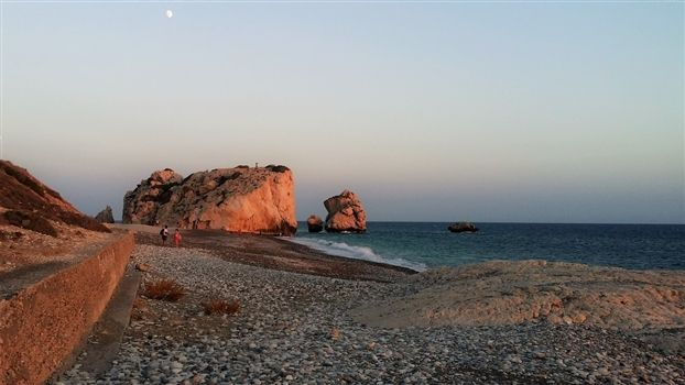 Sunset on Aphrodites rock beach