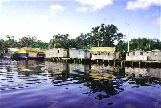 Nzulenzu Stilt houses
