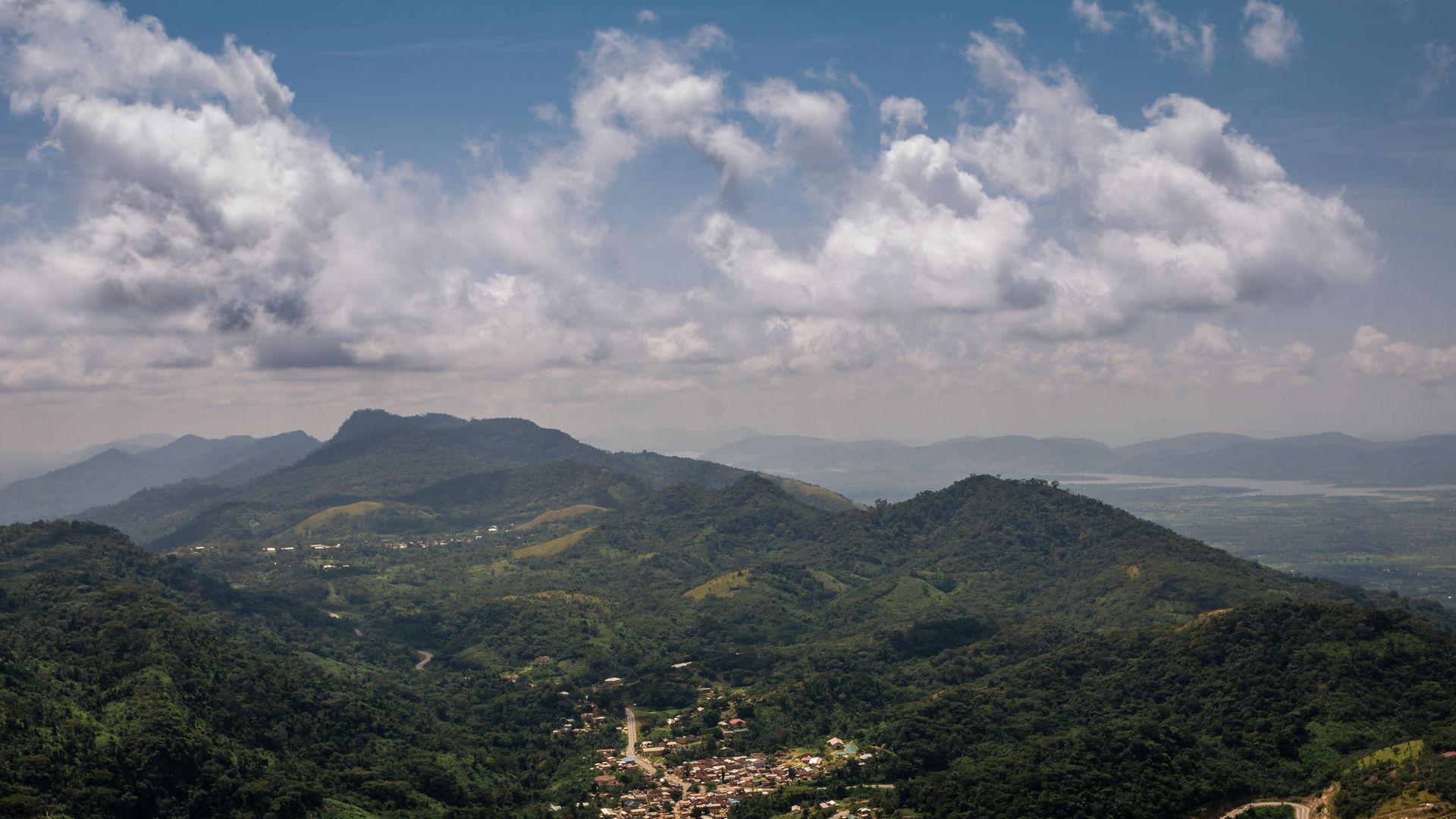 Mountain Gemi in Amedzope