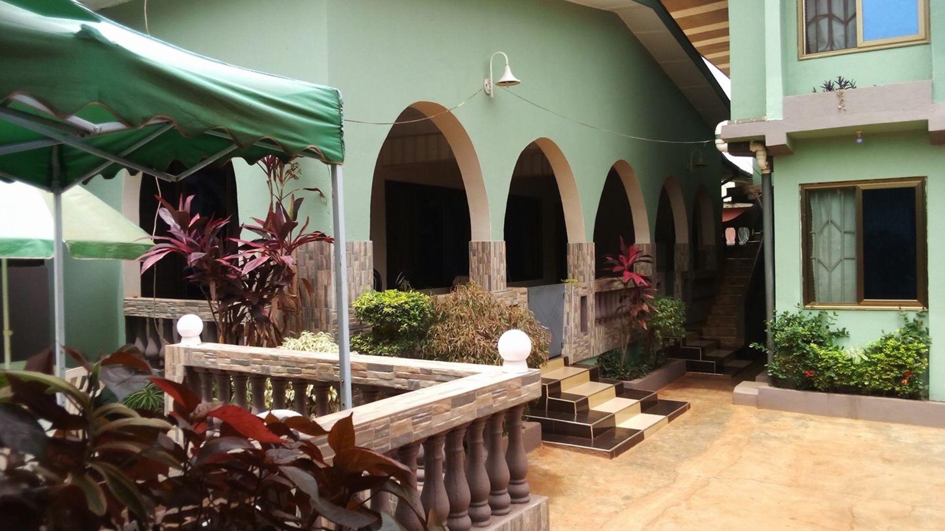 Royal Land Hotel