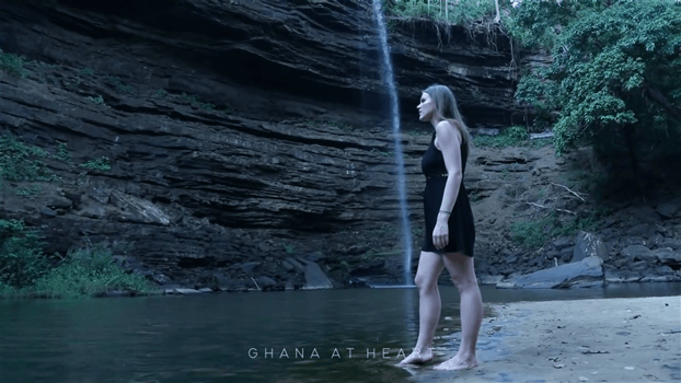 Ghana at Heart - Peaceful at the waterfall